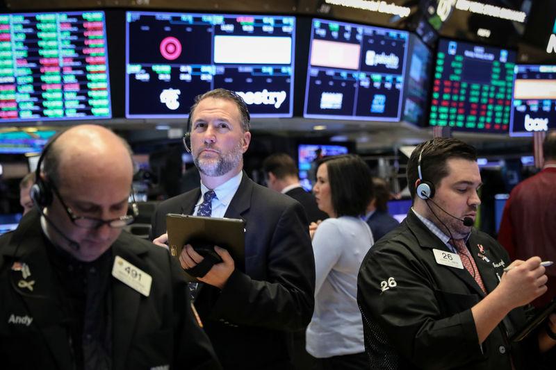 U.S. Bancorp Gains As First Quarter EPS Beats Estimate