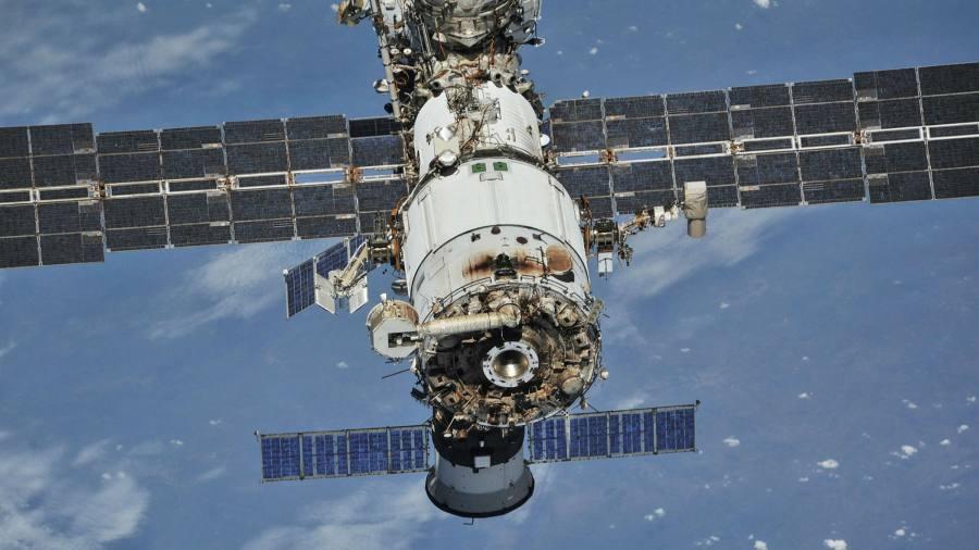 Perubahan orbit: Rusia menuju ke timur setelah meninggalkan Stasiun Luar Angkasa Internasional