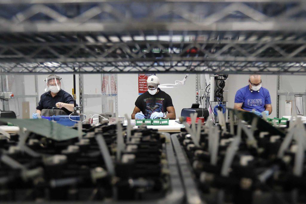 Produksi industri memanas di AS karena perubahan cuaca, naik 1,4%