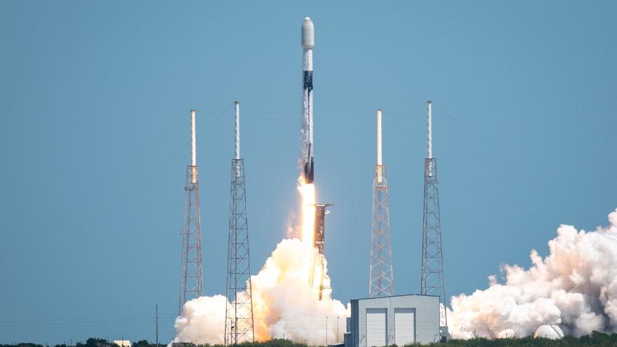 SpaceX meluncurkan grup satelit Starlink lainnya saat mendekati jangkauan global