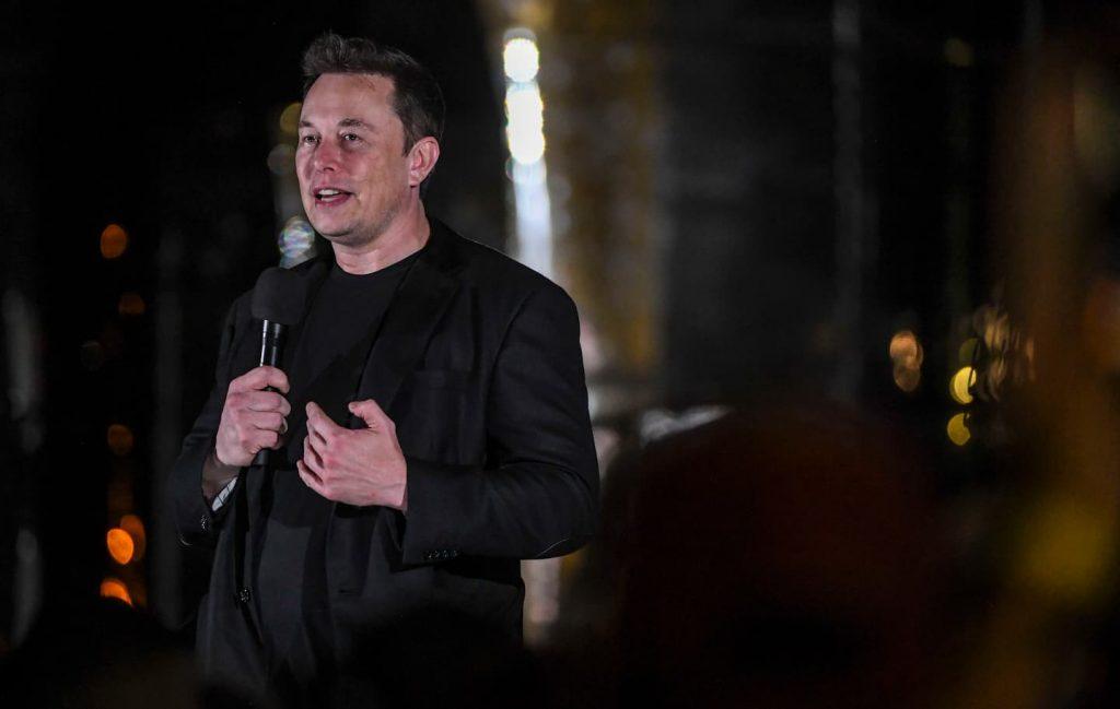 SpaceX memenangkan kontrak NASA untuk pendarat bulan