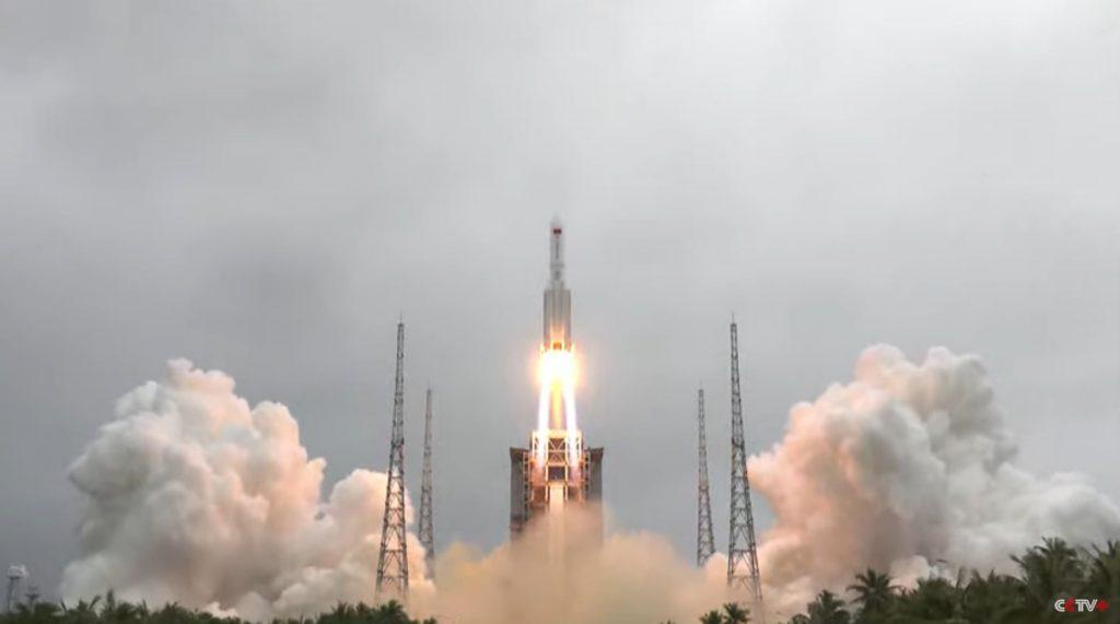 Tampaknya sebuah roket besar siap untuk kembali tanpa kendali setelah peluncuran stasiun luar angkasa China