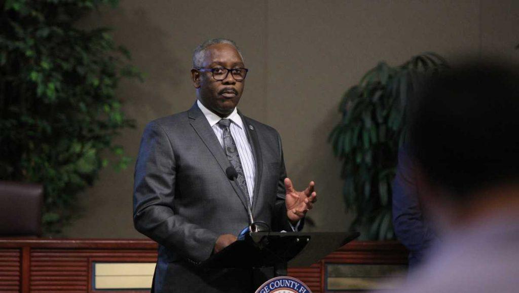 Walikota mengatakan mandat topeng di Orange County bisa dilonggarkan