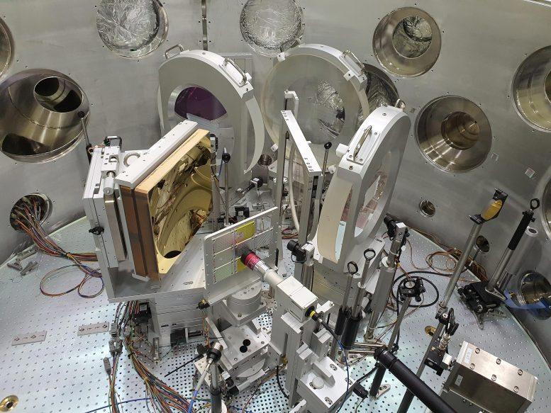 Ruang interaksi antara laser dan zat