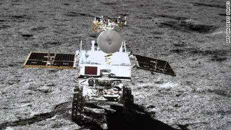 Misi luar angkasa Tiongkok mengungkapkan seperti apa bentuknya di sisi terjauh bulan