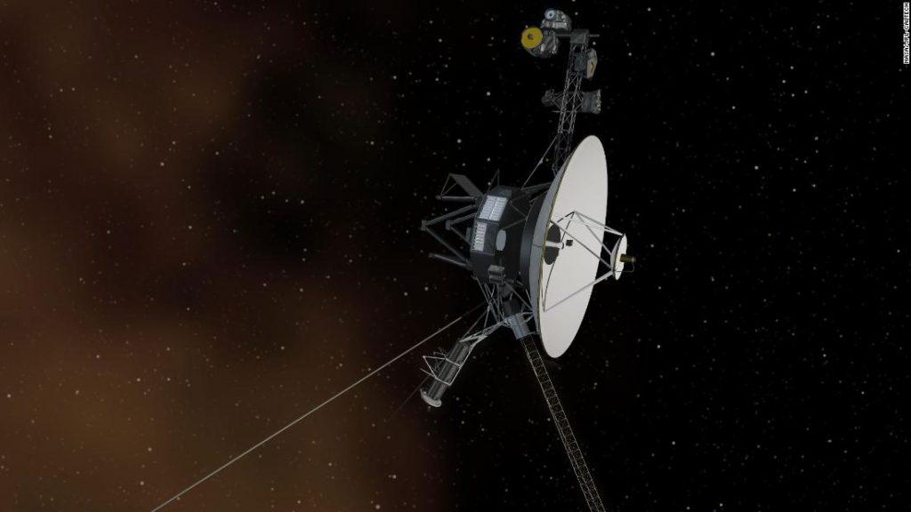 """Pesawat ruang angkasa Voyager mendeteksi """"dengungan terus menerus"""" di luar tata surya kita"""