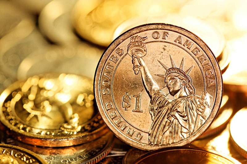 Dollar Weakens as Fed Officials Point to Lower for Longer