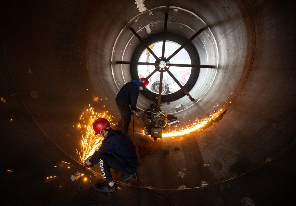 China memperkuat dukungannya untuk bisnis karena harga komoditas naik