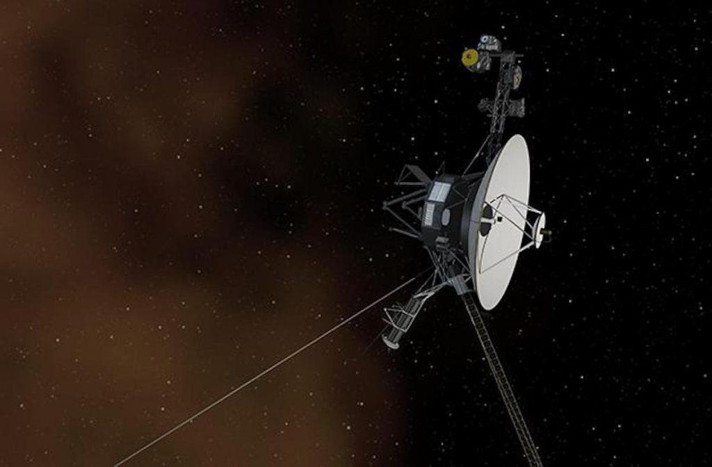 """Pesawat ruang angkasa NASA mendengar """"dengungan"""" aneh di luar tata surya kita"""