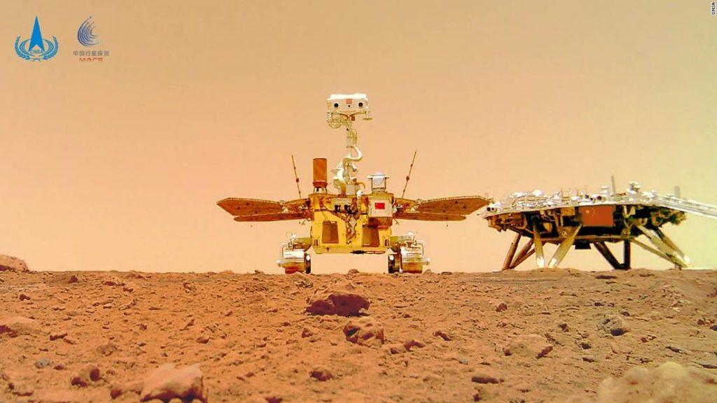 China menerbitkan gambar baru Mars yang diambil oleh penjelajah Zhurong