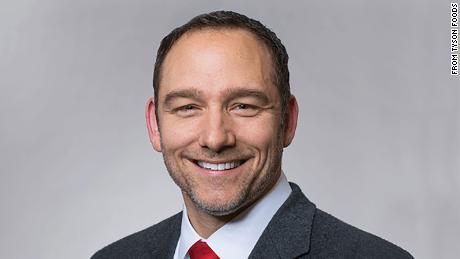 Dean Banks menjabat sebagai CEO Tyson selama kurang dari setahun.