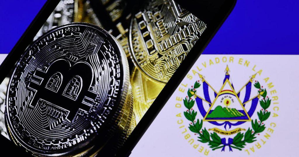 El Salvador telah menjadi negara pertama yang mengadopsi bitcoin sebagai mata uang legal