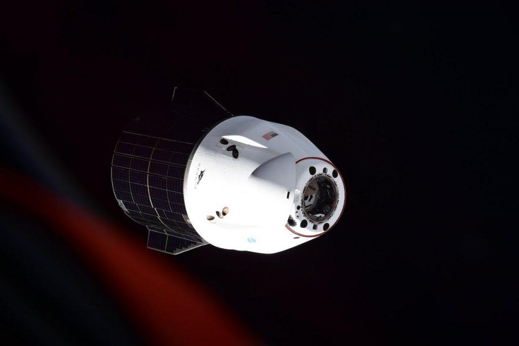 Kapsul kargo SpaceX berserakan di Teluk Meksiko - Spaceflight Now