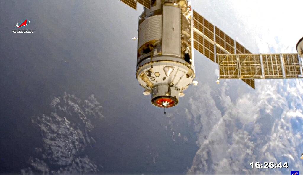 Stasiun Luar Angkasa Internasional melaporkan kekhawatiran setelah masalah mesin dengan modul Rusia yang baru