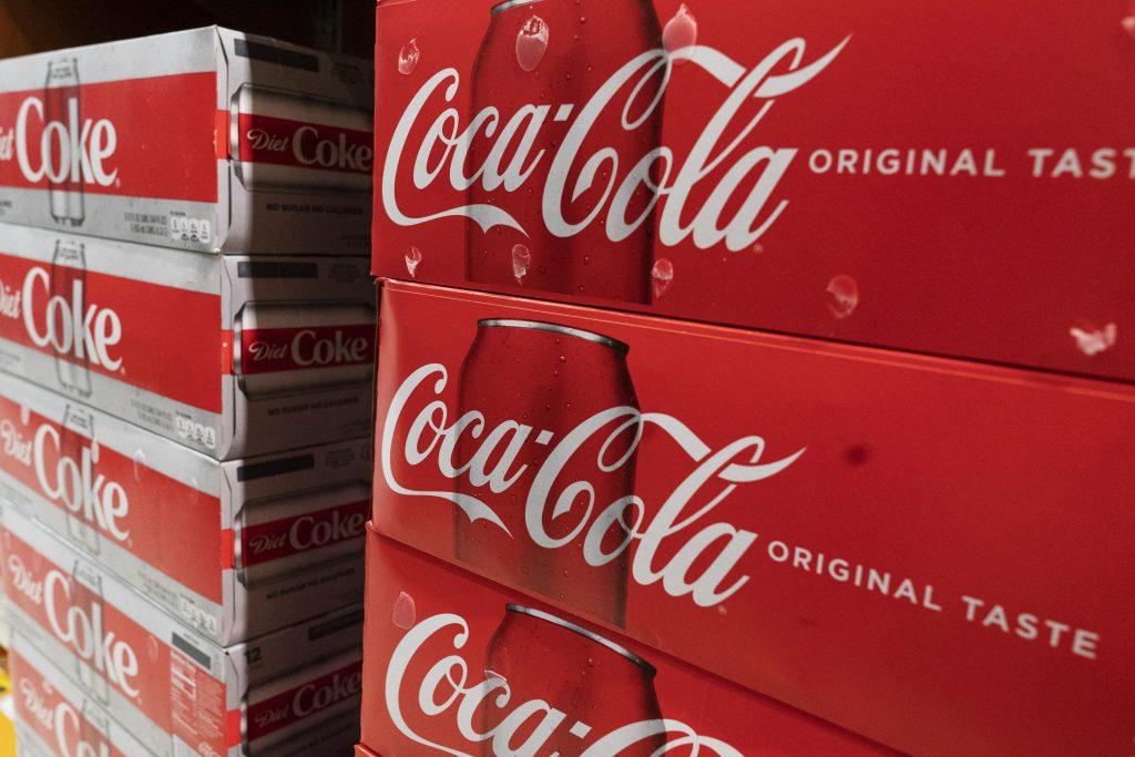 Penjualan coke meningkat di Q2 karena pembukaan kembali mendapatkan momentumخم