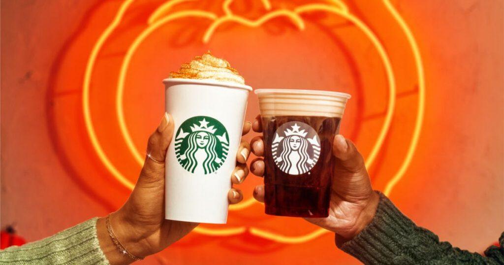The Pumpkin Spice Latte hadir kembali di Starbucks pada hari Selasa, karena bulan Agustus akan segera tiba