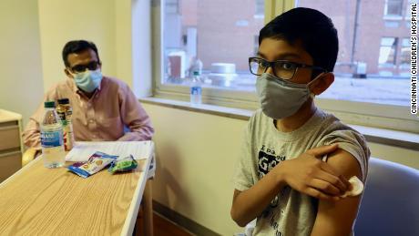 Bocah 12 tahun ini senang dengan tes vaksin Covid-19