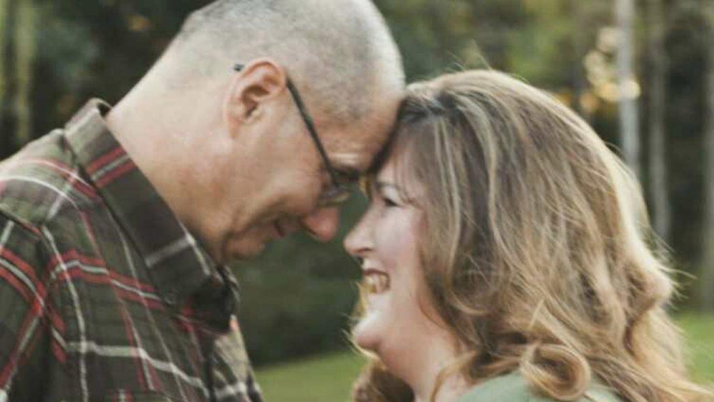 Wanita Florida selamat dari COVID-19, menemukan suaminya meninggal di rumah