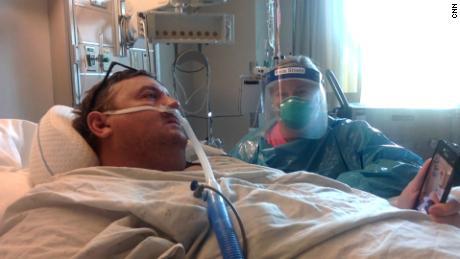 Travis Campbell dan istrinya, Kelly Campbell, berbicara kepada CNN dari sebuah rumah sakit di Bristol, Virginia, pada hari Jumat.