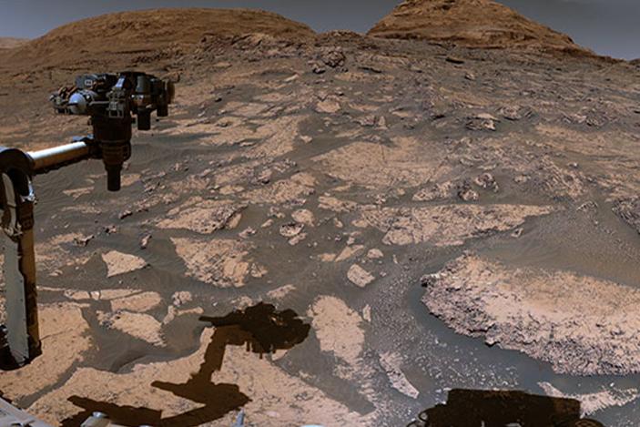 Video penjelajah Curiosity NASA menunjukkan pemandangan panorama Mars yang baru