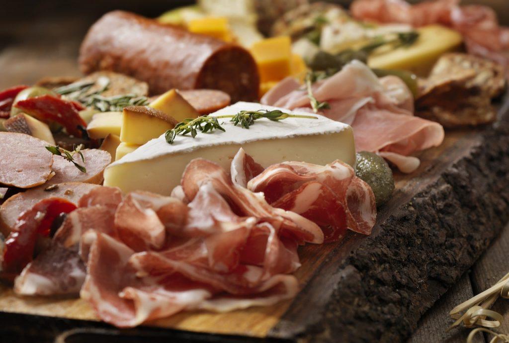 Wabah Salmonella terkait dengan daging Italia menginfeksi lusinan: CDC