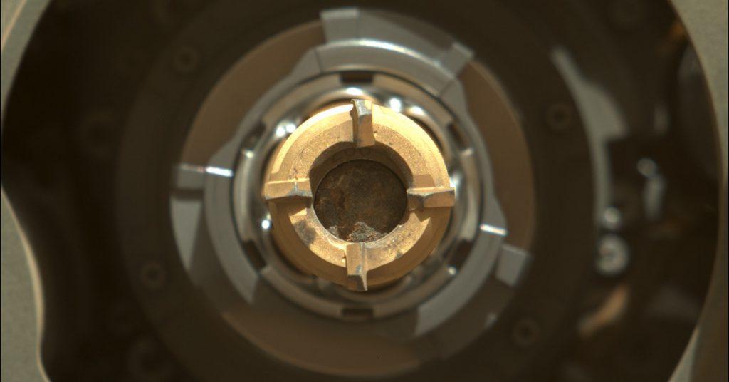 Akhirnya, probe Ketekunan NASA mengekstrak sampel batu pertama dari Mars