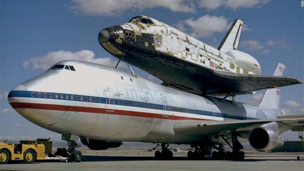 Gambar langka menunjukkan tahun-tahun awal era pesawat ulang-alik NASA