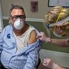 Beberapa petugas kesehatan mengatakan mereka tidak menolak vaksin, mereka hanya butuh waktu