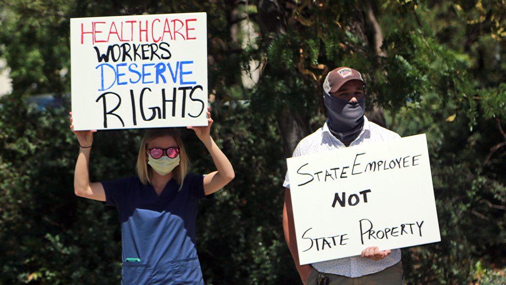 Mengapa beberapa petugas kesehatan tidak mendapatkan vaksin COVID-19?  : NPR