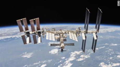 Toilet baru yang dirancang menggunakan reaksi astronot tiba di stasiun luar angkasa
