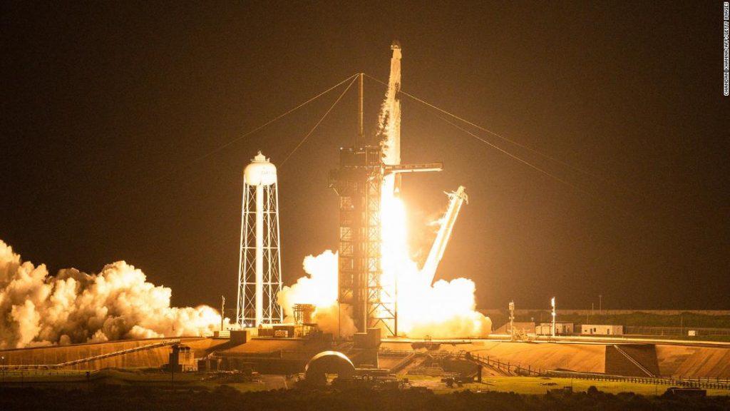 SpaceX mengalami masalah dalam pelayaran pertamanya.  Itu bisa menjadi jauh lebih buruk