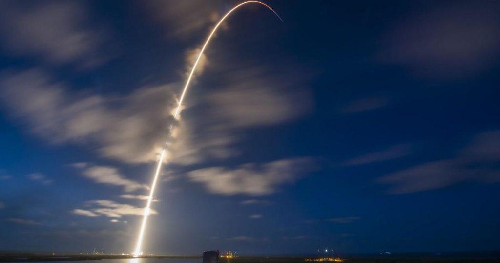SpaceX meluncurkan kru yang semuanya sipil di Mission Inspiration4