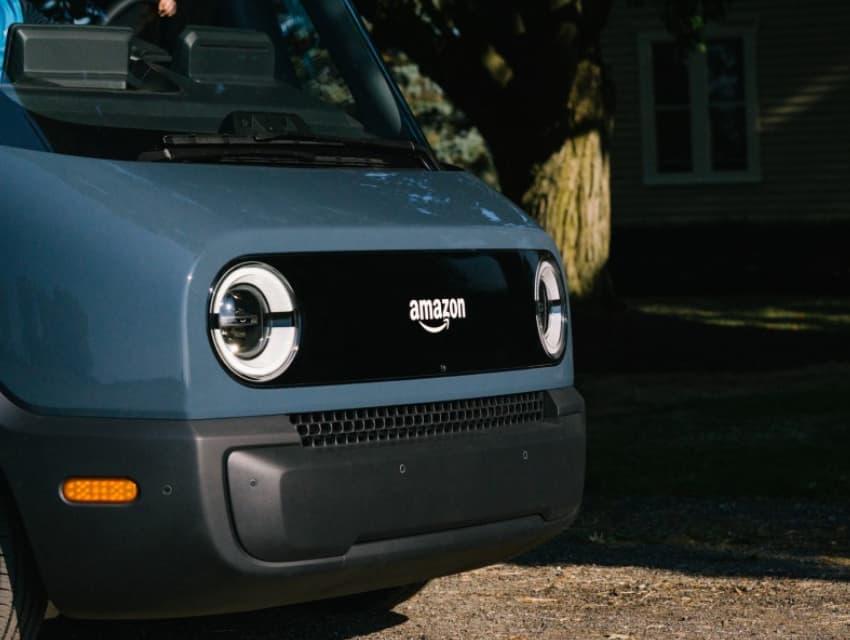 Rivian, pembuat kendaraan listrik yang didukung oleh Amazon dan Ford, mengajukan ke publik
