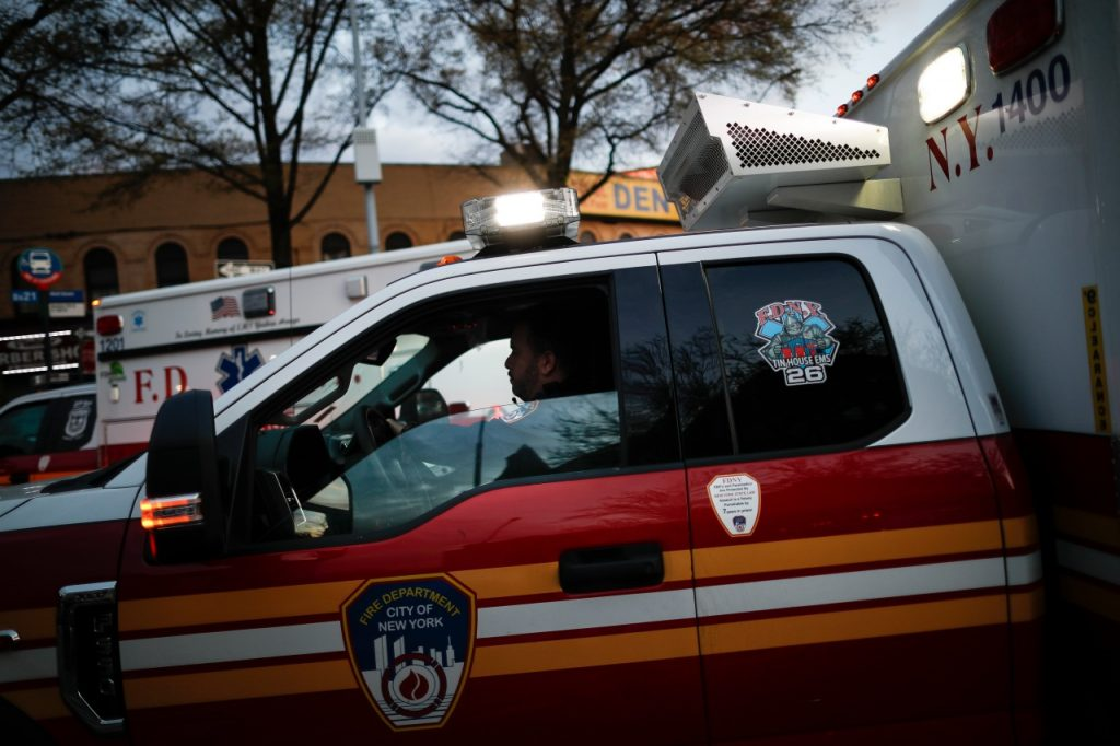 Perilaku 'tidak teratur' penumpang mengarah ke tanggap darurat, mendarat di LaGuardia