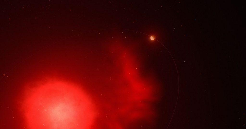 Para astronom menemukan sebuah planet yang selamat dari ledakan bintangnya